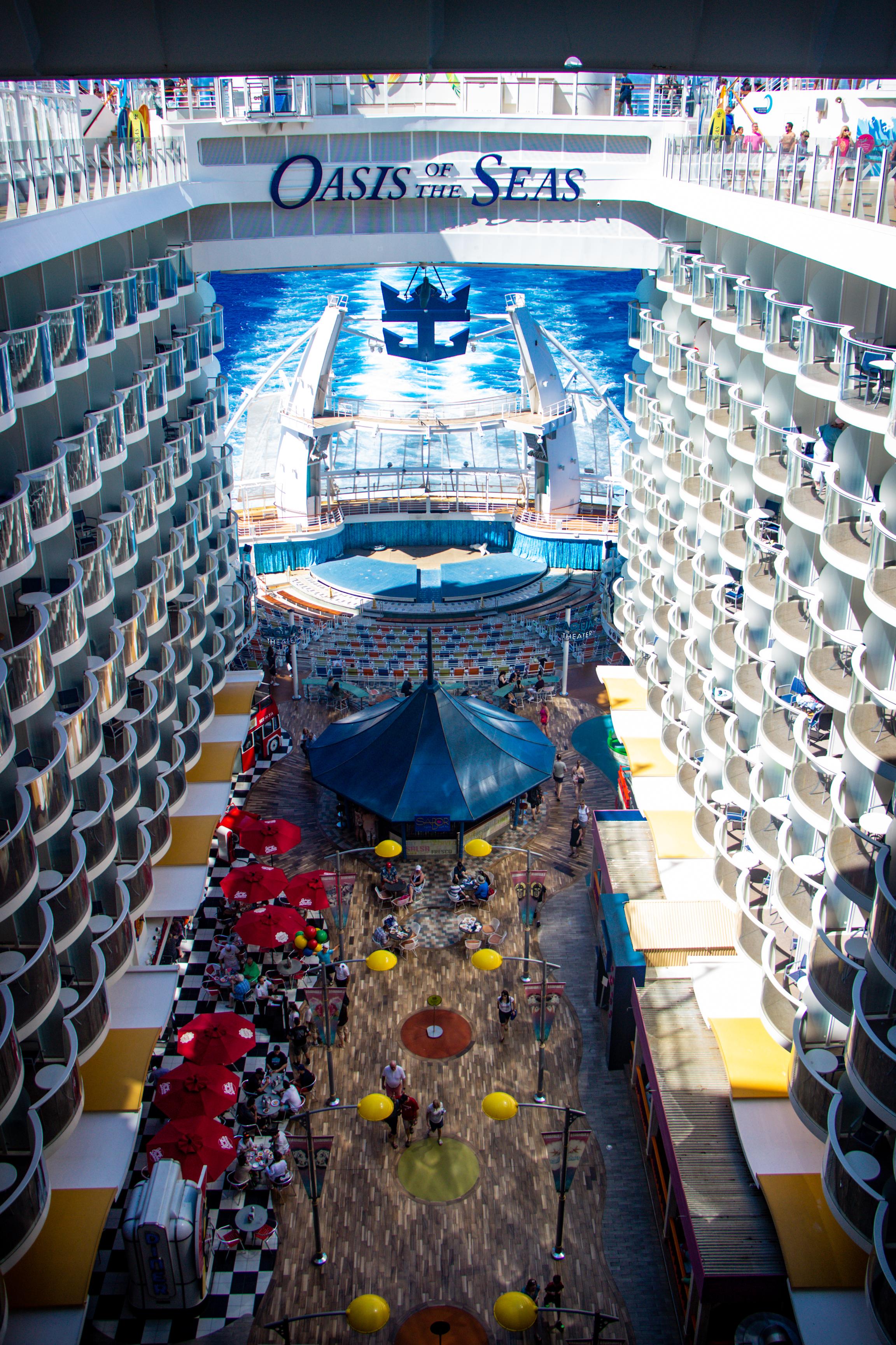 Navegar pelos mares em luxuosos cruzeiros 13