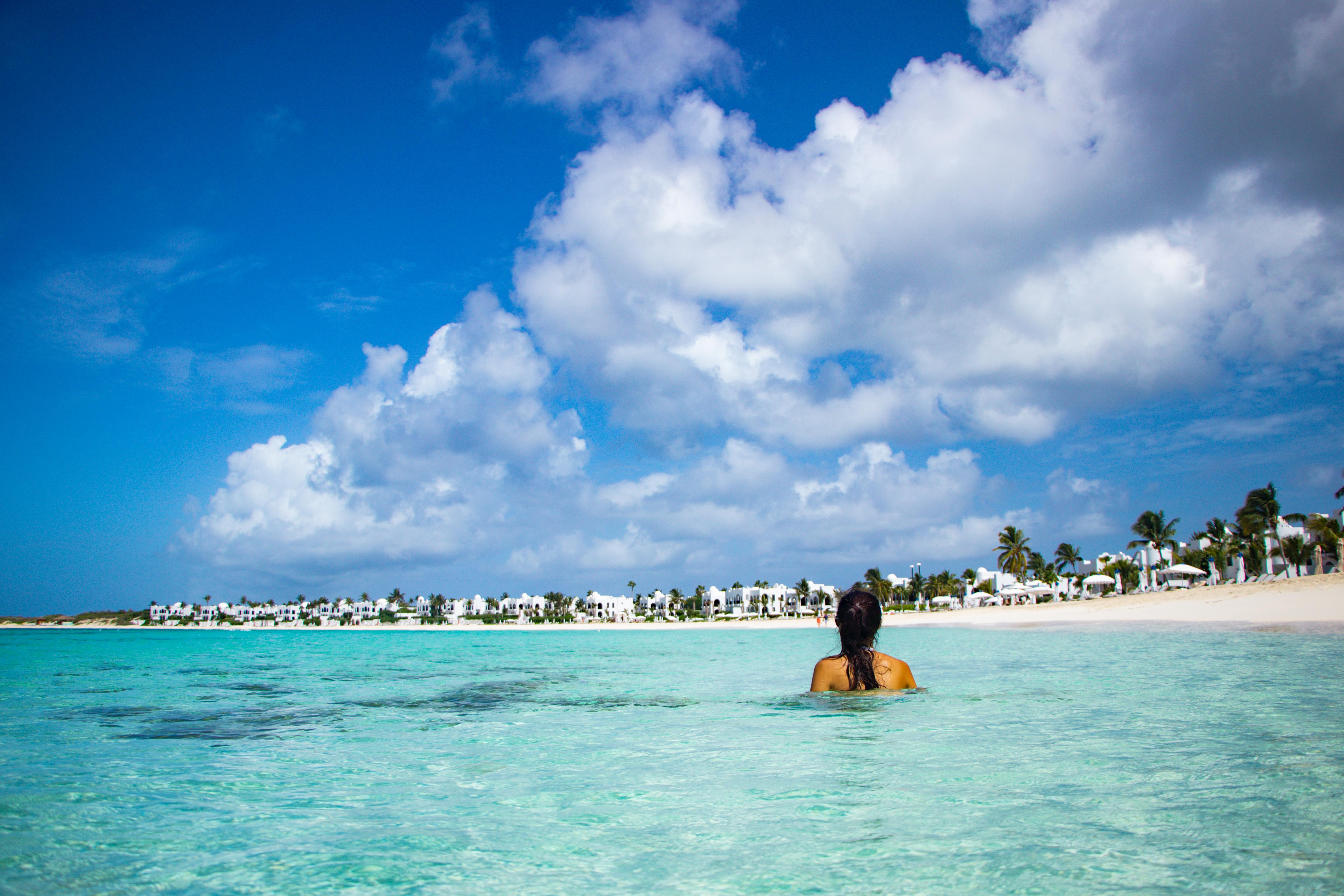 Praia no Caribe Maundays Bay