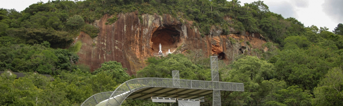 DOM PEDRO DE ALCÂNTARA Gruta Nossa Senhora de Lourdes