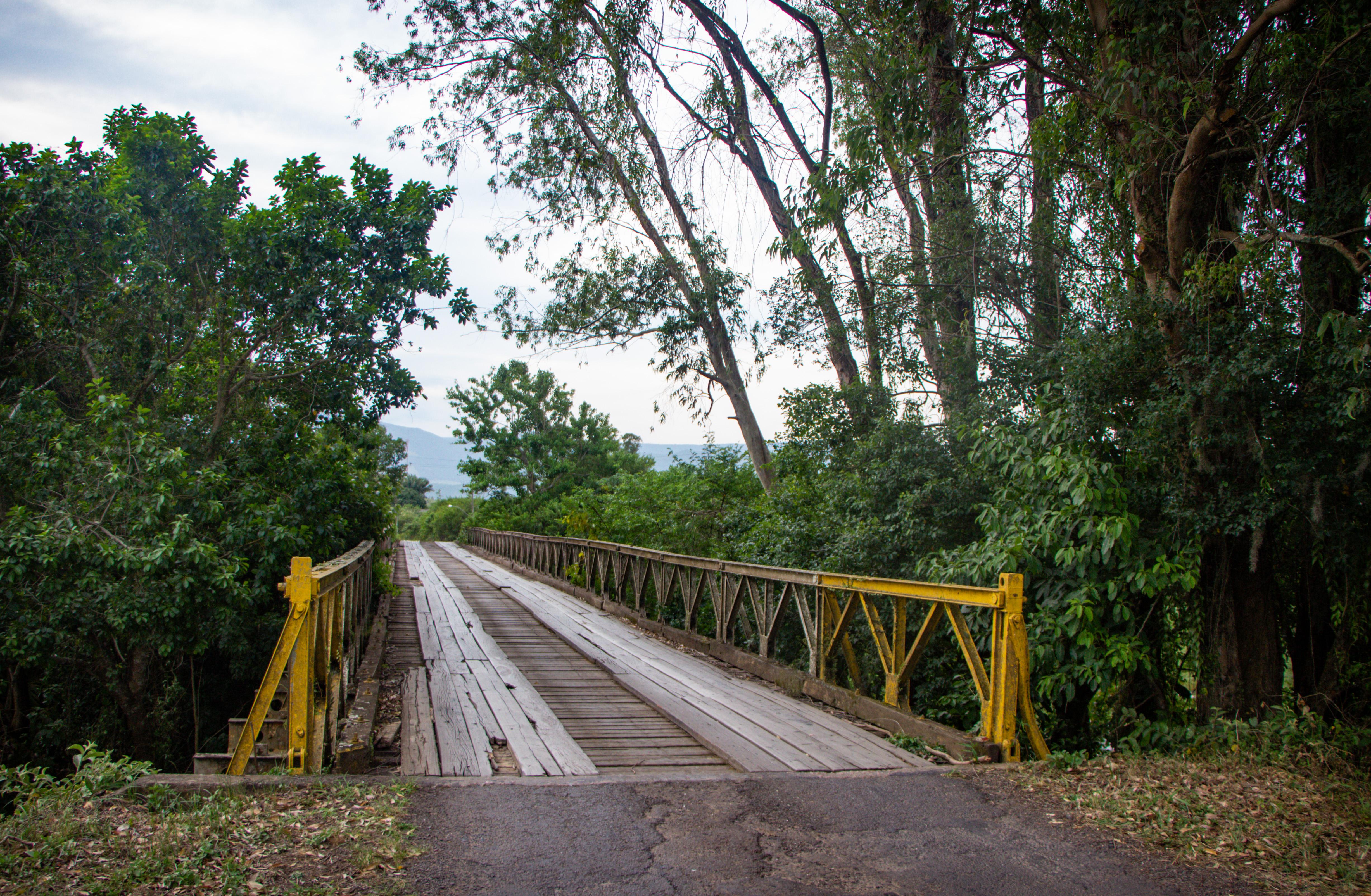 TRÊS FORQUILHAS Ponte de Ferro
