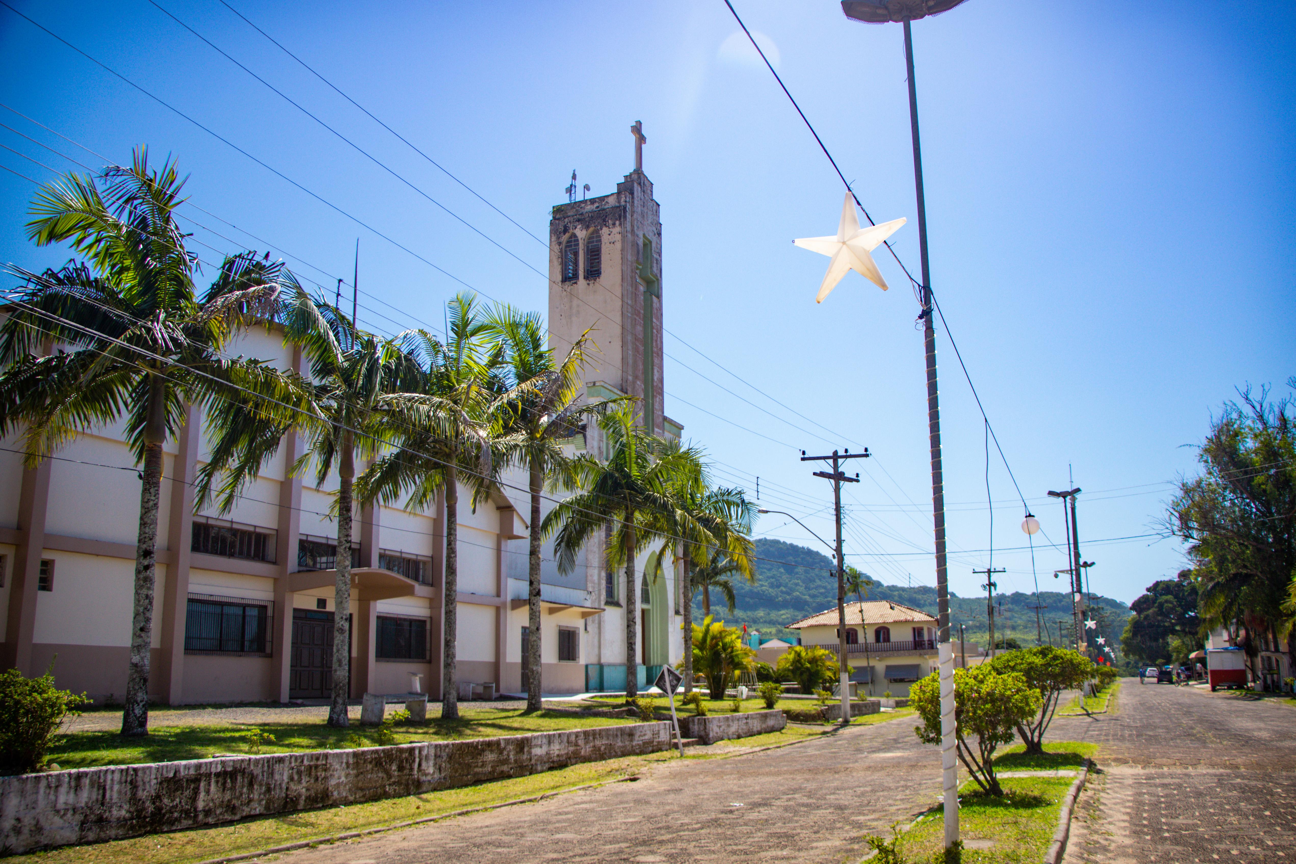 Paróquia Imaculada Conceição no centro de TRÊS FORQUILHAS porto