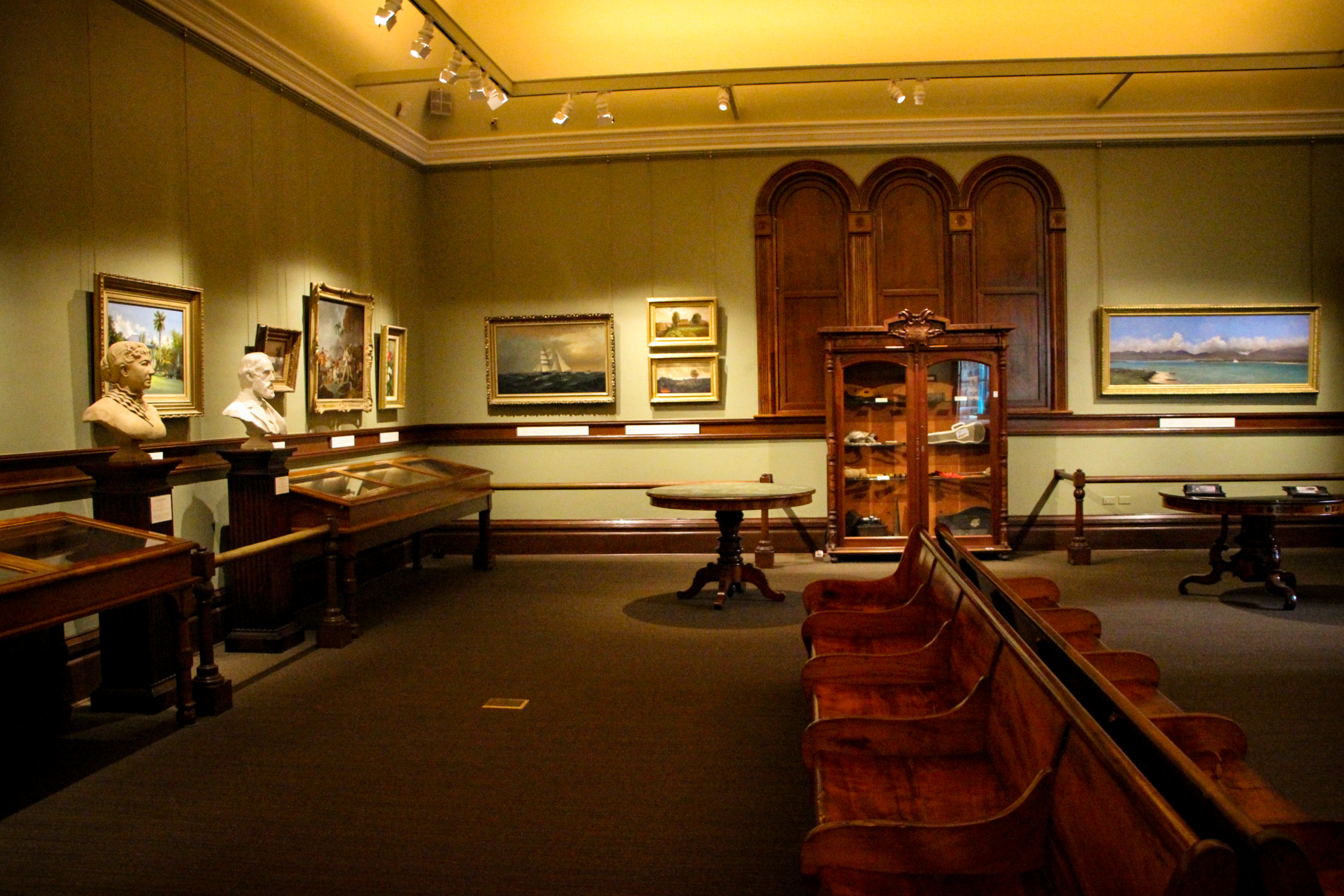 Picture Gallery Bishop Museum