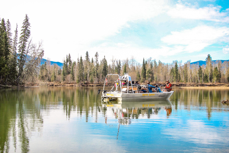 Tour River Safari Bear CANADIAN ROCKY MOUNTAINS 2